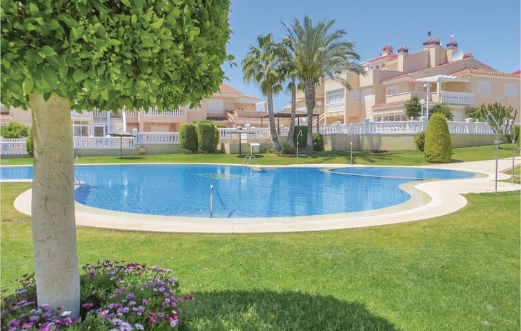 Terraced house with 3 bedrooms on 85m² in Orihuela Costa