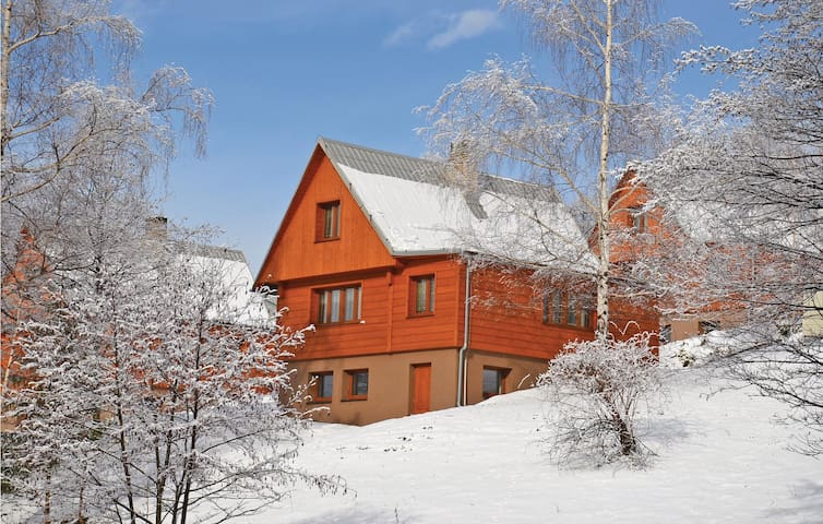 Holiday cottage with 3 bedrooms on 73 m² in Kuncice pod Ond.