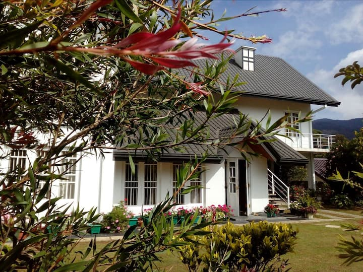 Andora Nuwara Eliya - A warm home stay