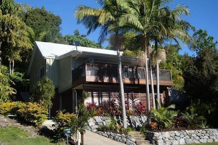 Split Level Tree-House - Elanora - House
