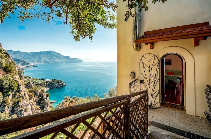 Amalfi: BEAUTIFUL SEA VIEW - WiFi - Conca dei Marini - Ház