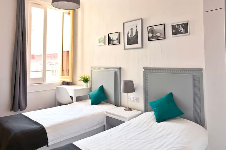 New and Modern Twin Bedroom - Gran Vía/Sol