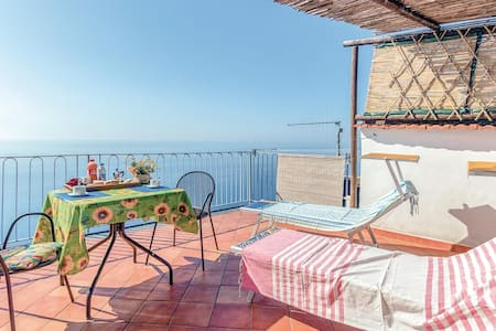 Holiday apartment with 1 bedroom on 35m² in Furore SA