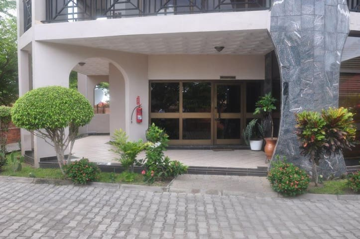 Adehye house - Accra - Bed & Breakfast