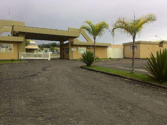 Casa no Jardins da Lagoa Condo Resort - Caldas Novas - House