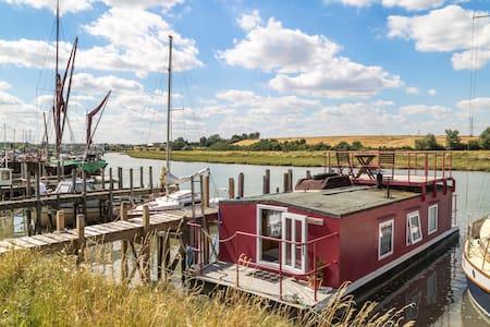 Joliver Houseboat - Faversham