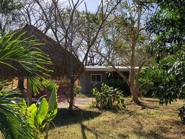 Peaceful country side pool and garden guest house