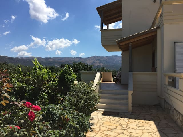"COUNTRY HOUSE ""IRIS"" IN SKINES - CHANIA - Skines - Villa"