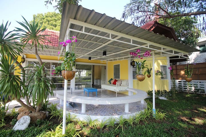 Baan Kieng ley  Close to the beach - Tambon Hua Hin - House