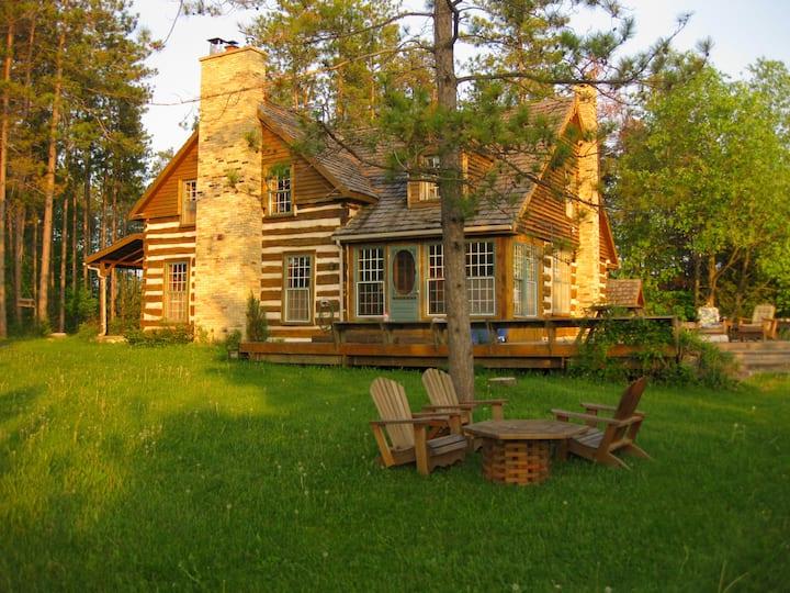 The Rockwood Log Cabin Cottage Retreat