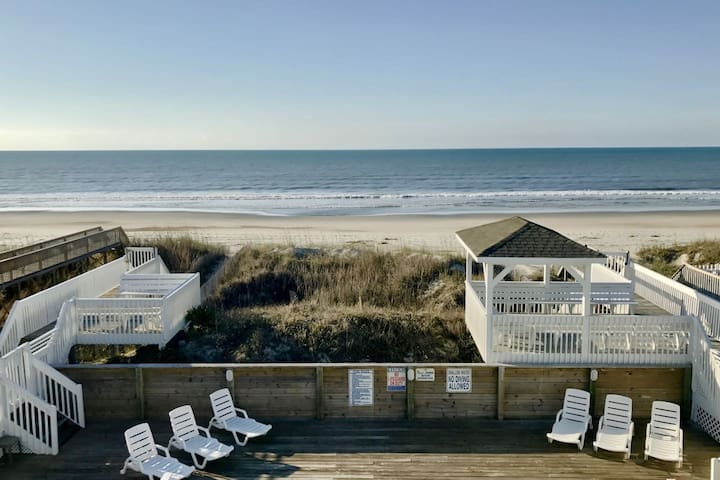Charming Oceanfront Bungalow! (#E - Edith Rose  - Ocean Isle Beach - Appartement