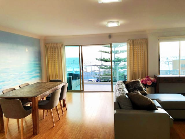Beach front stylish apartment - best ocean views