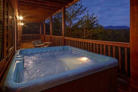 NEW! Hot Tub, Pool Table, Foosball! Great Location