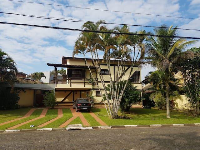 Casa de Praia - Condomínio Fechado - Bertioga