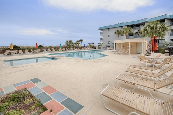 Condo at oceanfront resort w/ shared pool/ tennis - steps to the beach!