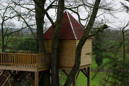 Cabane des Loges située à 6k de Falaise. - Fourneaux-le-Val - Cabana
