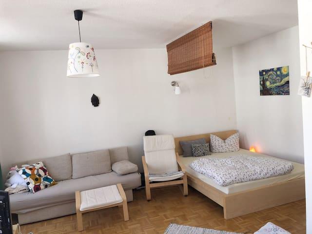 Ruhige 1- Raum Wohnung im Szeneviertel