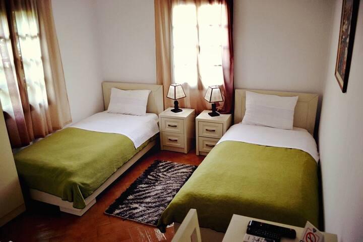 Hotel Belgrad Mangalem 2