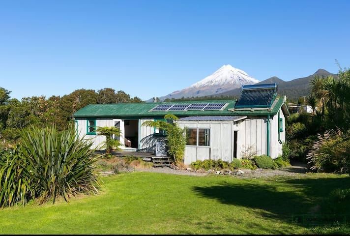 Pouakai Mountain Cottage - Korito - Apartemen