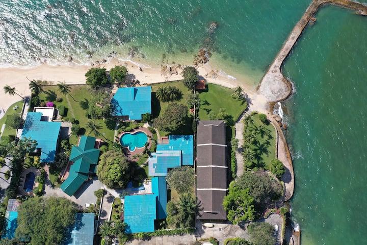 Beachfront Pool Villa/Dream Villa/ Home party