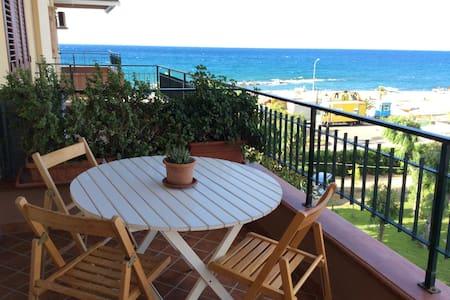 Appartamento panoramico sul mare - Falcone - Apartment