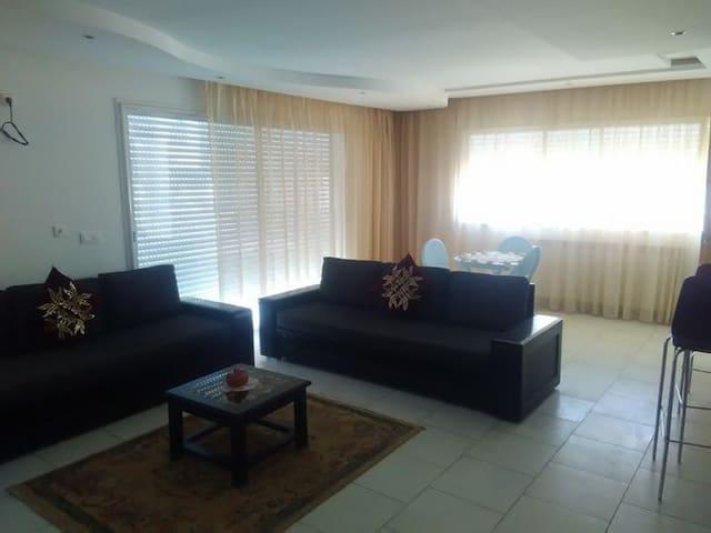 Un bel étage de villa confortable vue sur mer - Monastir - Andre