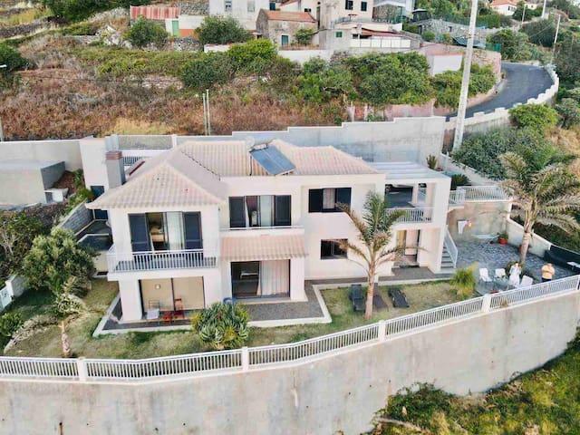 The Best Sea View in Madeira -Casa Farol