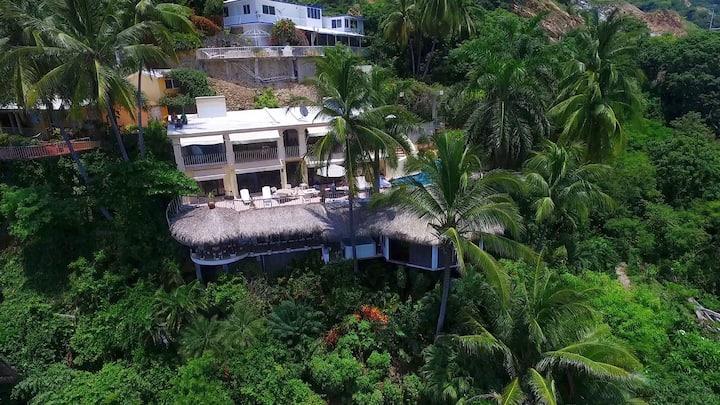 VillaParaísoAca, Spectacular view & private beach