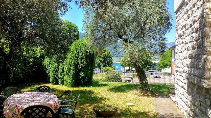 Lago d'Iseo, villa, giardino esclusivo e terrazza