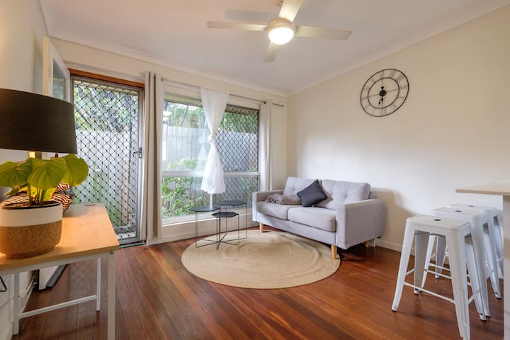 Best possible location. Modern 2BD - West End - Apartment