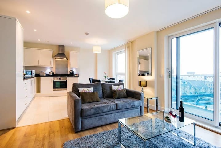 LUXURY 1 x BED APARTMENT IN HAMMERSMITH 4 XGUESTS