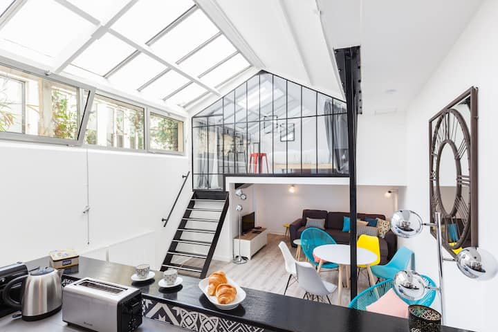 Atelier of artist at Marais district, Paris Center