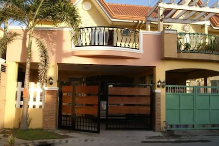 Town house in san fernando city - San fernando