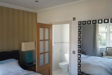 Lovely Spacious Room Now Available
