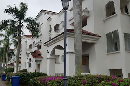 Spanish Villa Resort Homes - Seremban