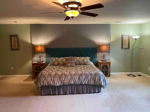 Master bedroom #1 nearBases/Potomac Mall