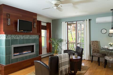 Sleek and Hip Suite in Tannersville - Suite 3 @ Currans