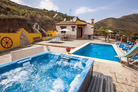 Magnífica villa privada con vistas a la montaña