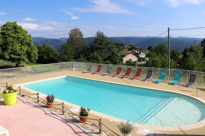 Chalet with 3 bedrooms in Gravières, with wonderful mountain view, shared pool, furnished garden