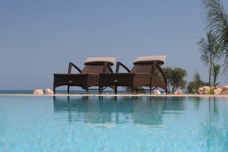 Oceanblue - Escape to a Spectacular Seafront Villa - Famagusta - Villa