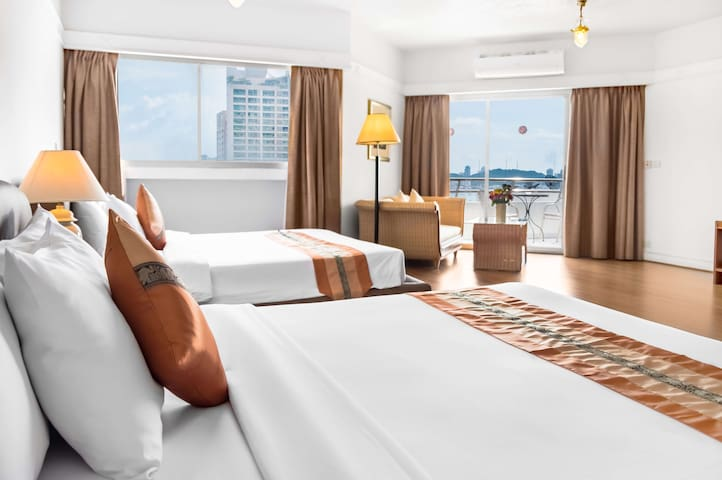 Stunning Seaview Suite in North Pattaya Beachfront