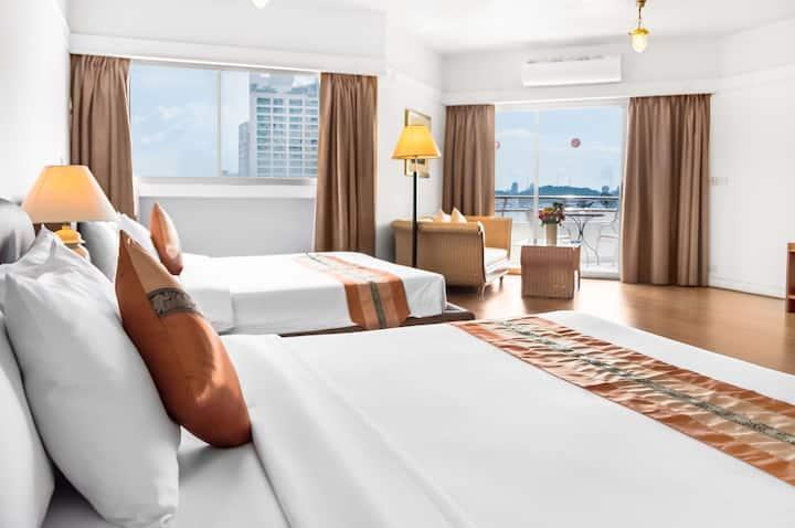 Stunning Seaview Suite in North Pattaya Beachfront