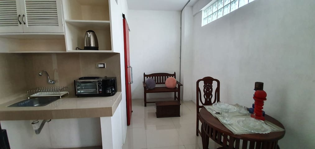1 bedroom apartment w private toilet