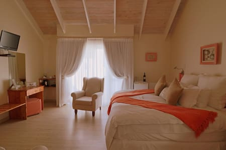 Baywatch Guest House - Abalone Room - Paternoster