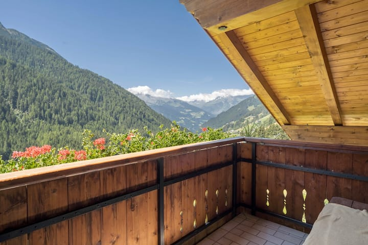 "Cosy Holiday Apartment ""Haus Hubertus - FeWo 6"" with Mountain View & Wi-Fi; Parking Available"