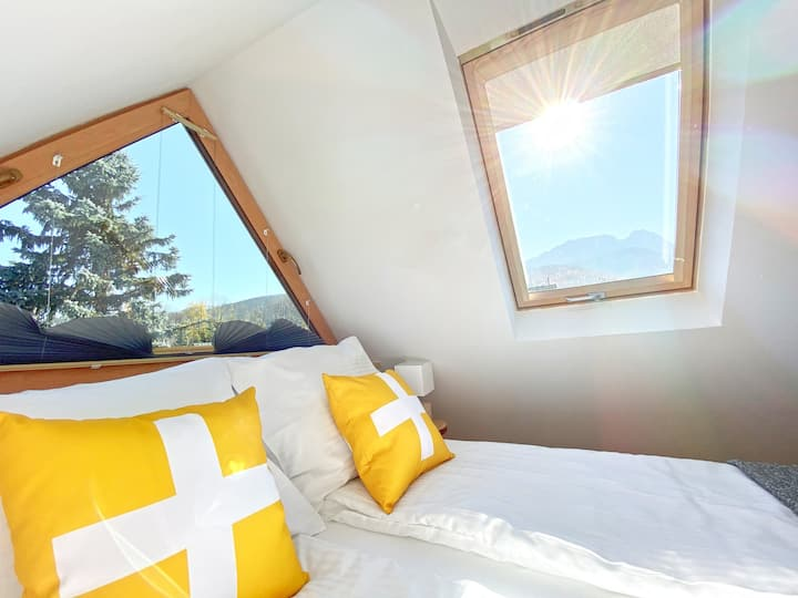 Family Studio - great views, close to the Centre