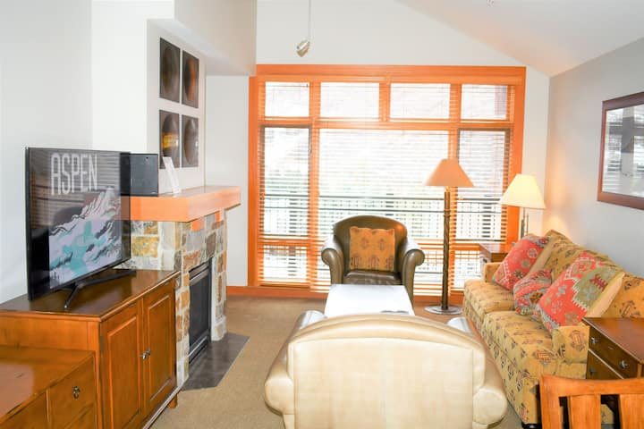 Snowmass Capitol Peak Lodge  2 bed, 2 ba penthouse