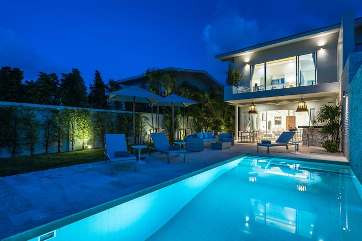 Private 3 Bedroom Luxury Villa with Seaview