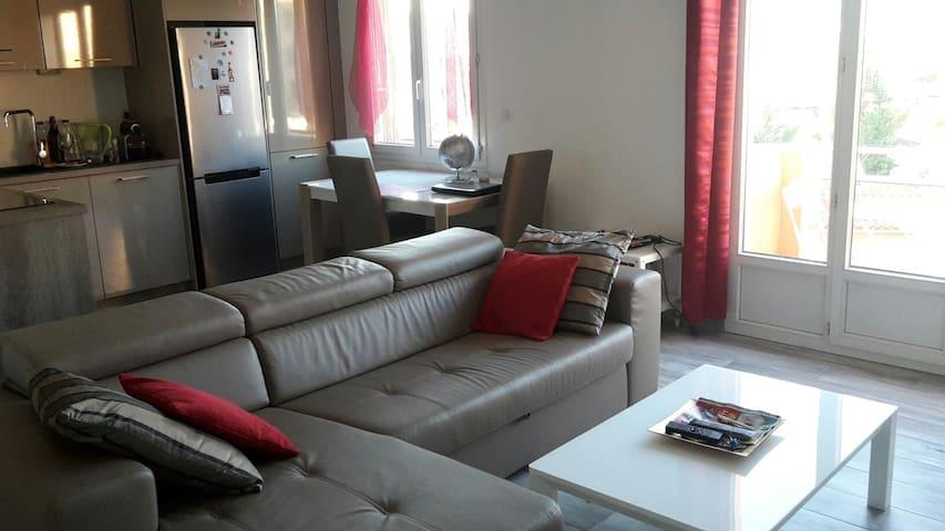 Appartement au calme coté plage et parc Borely - Marseille - Lakás