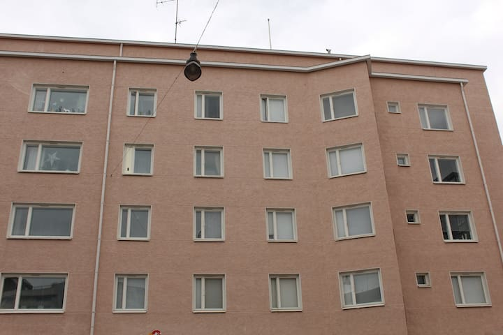 Cozy studio apartment for two in downtown Lahti.